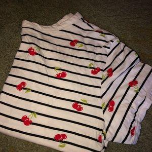 Tops - T-shirt crop top.